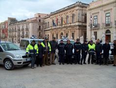 Consegna delle auto di servizio al corpo della Polizia Locale nell'anno 2006