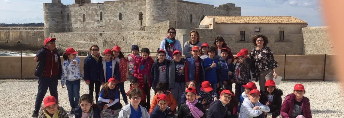 Visita degli alunni del Verga alla sede dell'AMP Plemmirio