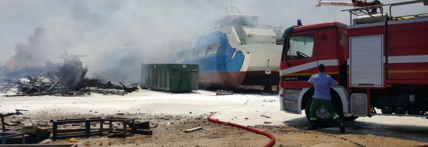 Incendio a Targia, nessun danno all'Aquavision