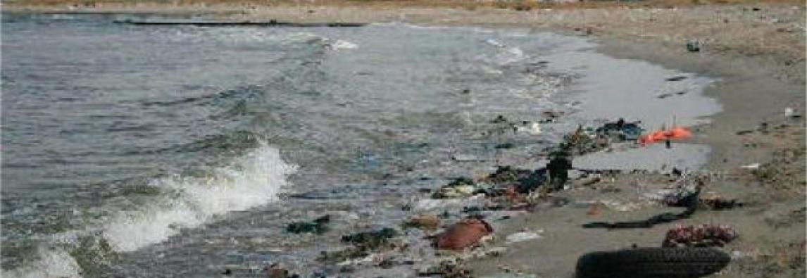 Sicilia, com`è inquinato il mare . Abusivismo dilagante e rifiuti in spiaggia
